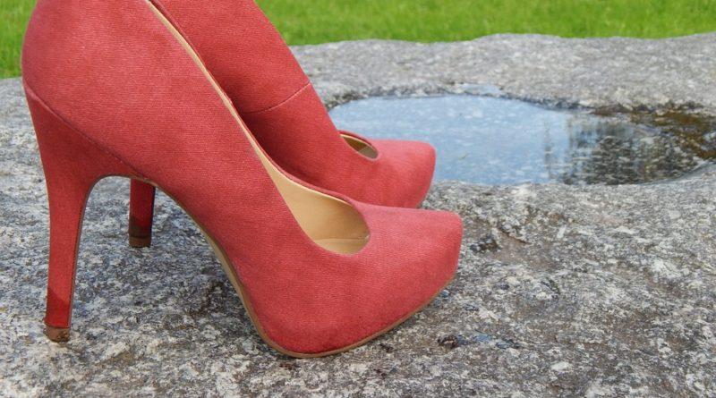 Kamínky na botách