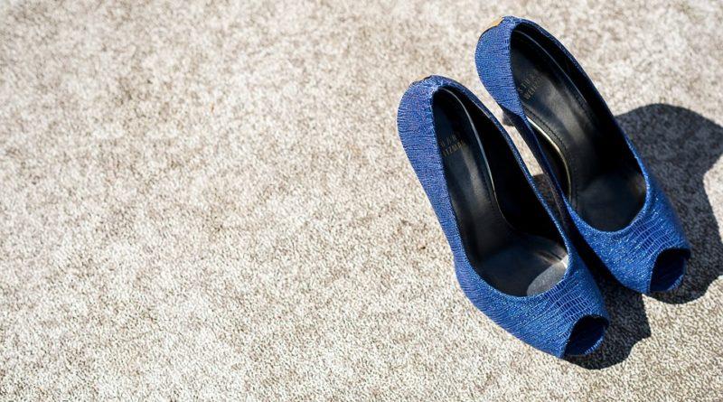 barevnější obuv
