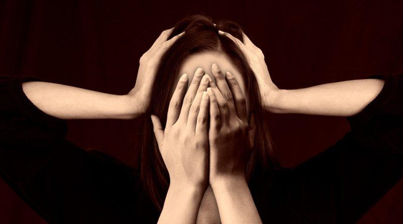 migréna a menstruace