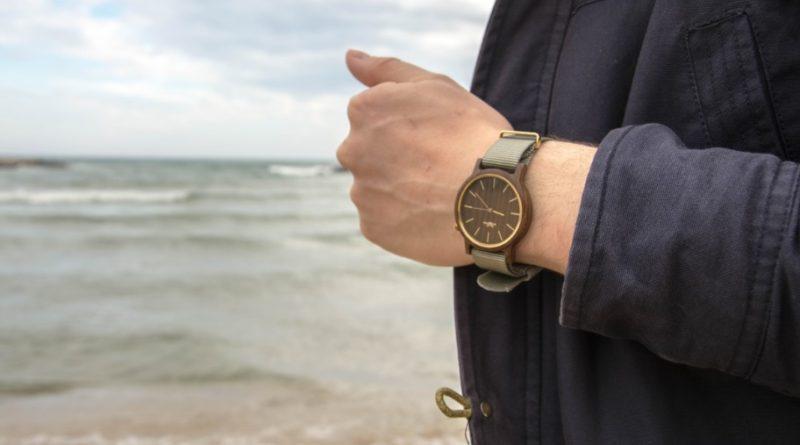 Dřevěné hodinky jsou hitem dneška!