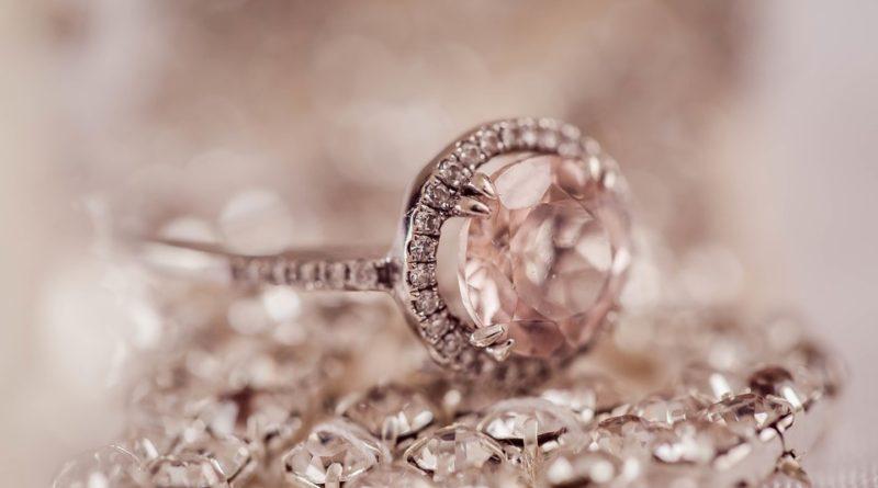 Jak nejlíp vyčistit šperky?
